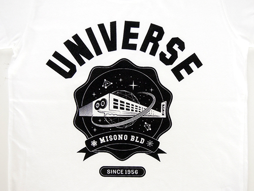 "COSMICLAB × 味園 / ""UNIVERSE"" College-Logo Girls T-sht [White]"